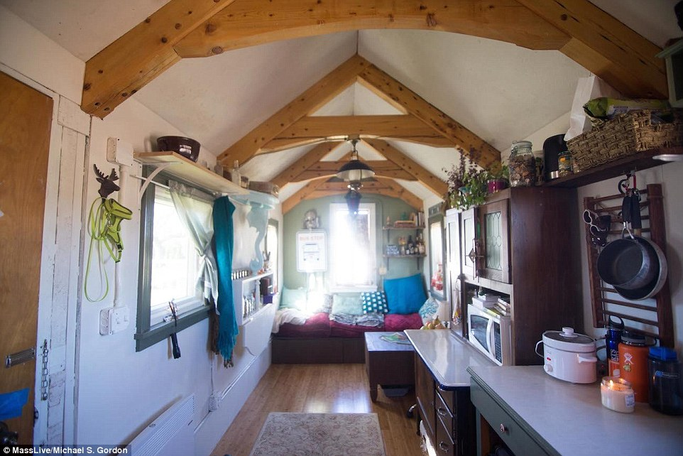 tiny houses in massachusetts. Massachusetts Student Sarah Hastings Has Been Told Home Is Illegal | Daily Mail Online Tiny Houses In