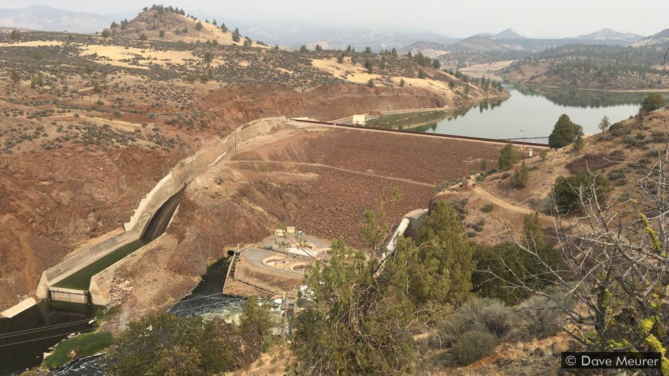 The largest dam set to come down on the Klamath is the Iron Gate Dam, standing at 173ft (53m) high (Credit: Dave Meurer)